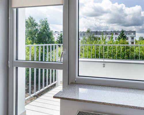 Балконные двери Рехау