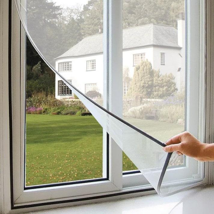 Рамочная москитная сетка на окно