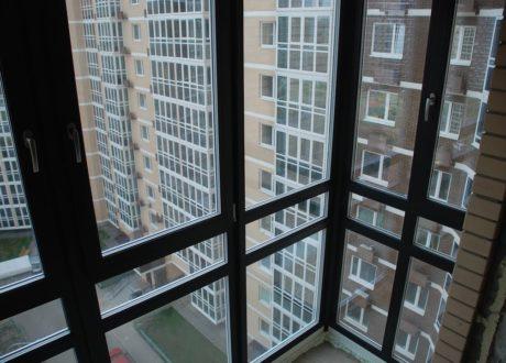 Панорамное остекление балконов и лоджий в Истре