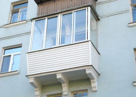 Холодное остекление балконов и лоджий в Истре