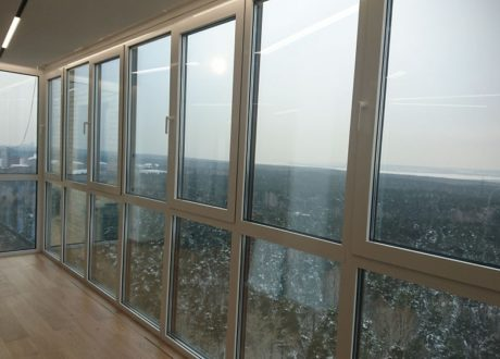 Панорамное остекление балконов и лоджий в Лобне