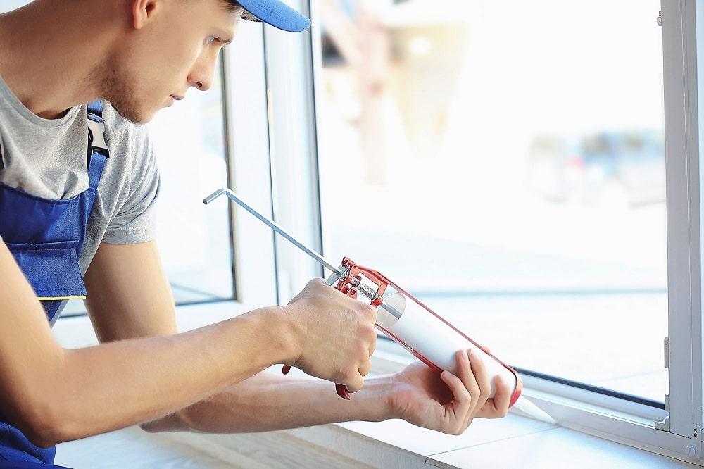 Монтаж пластикового окна Рехау