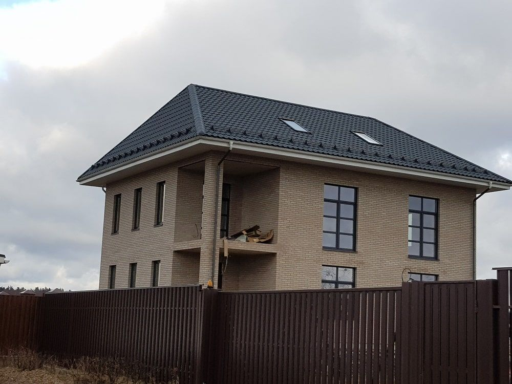 Завершенное остекление загородного дома