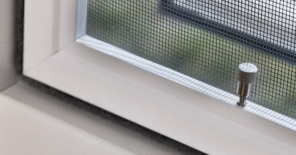 Плунжерные сетки на окна