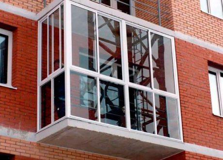 Панорамное остекление балконов и лоджий в Химках