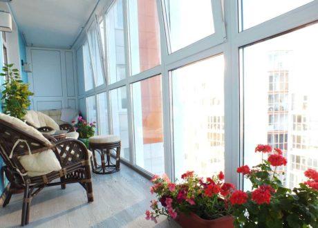 Панорамное остекление балконов и лоджий в Красногорске