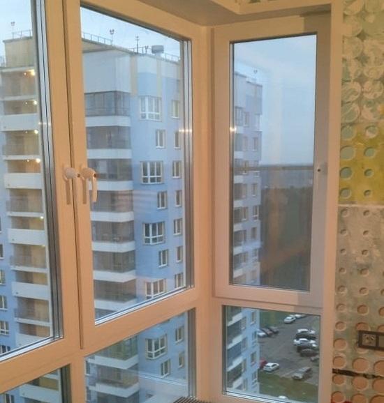Установка панорамных окон на балкон
