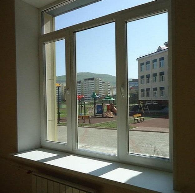 Окна классов школы