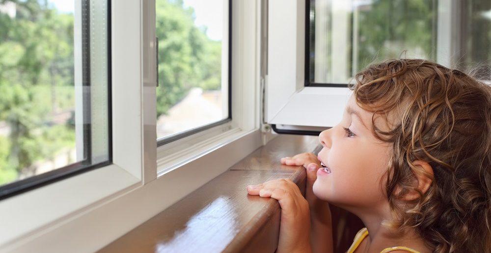 Безопасность детей с пластиковыми окнами