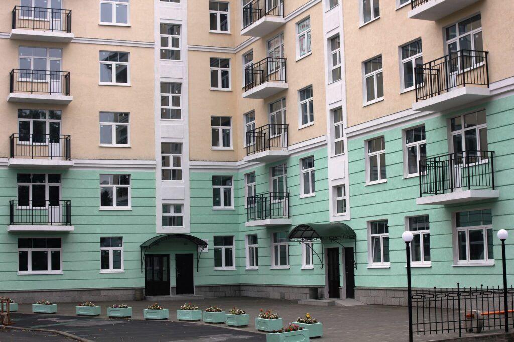 Остекление жилого комплекса Дом у Ручья
