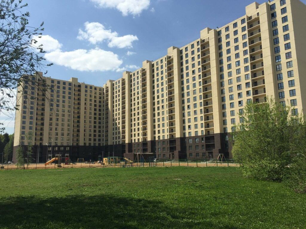 Остекление жилого комплекса «Л парк»