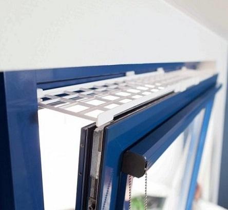 Боковая решетка на окно