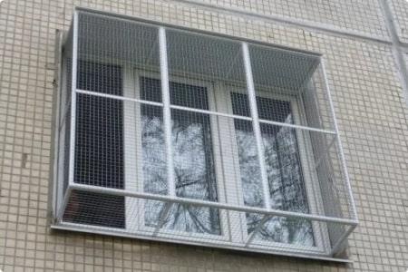 Выгул для кошек на окно