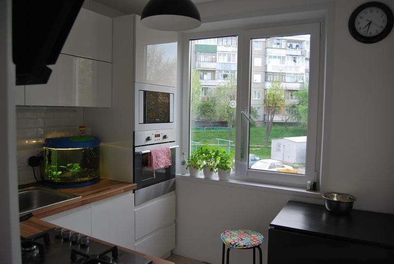 Окно на кухню в хрущевке