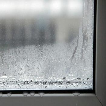 Пластиковое окно потеет